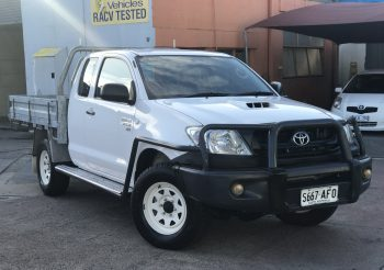 Toyota Hilux Extra cab 4×4 turbo diesel with steel tray and loads of goodies!! Privately owned and a very rare truck indeed